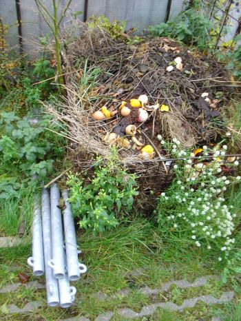 Culiblog.org loves the Christoph Seyferth House in Maastricht with compost heap!