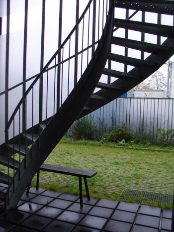 Culiblog.org loves the Christoph Seyferth House in Maastricht with external staircase wrapped in plastic weave.