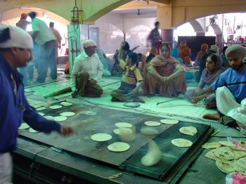 chapati baking at the langar