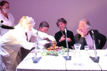 The Art & Genomics Centre and the Centraal Museum Utrecht present: Food, Art & Science symposium with controversial snacks: panel gets an earful