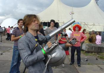 Erik Hobijn and his cocktail pistol